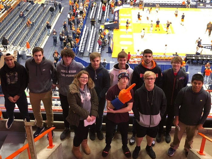 mount morris SU students at syracuse game